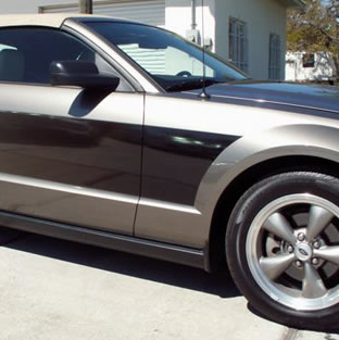 05+ Mustang Sport Fade Side Graphic Kit